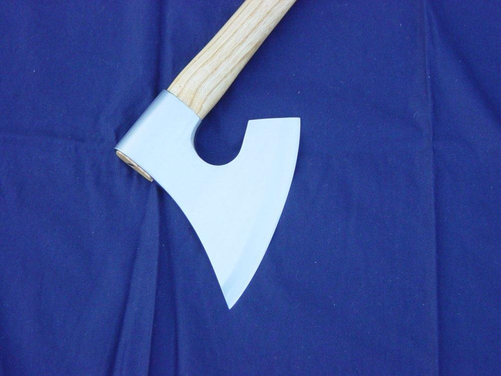 Animi Spear and Danish war axe 012.JPG
