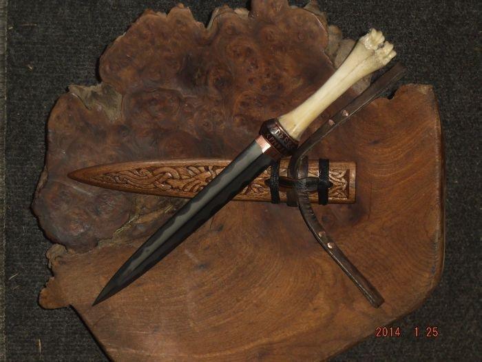 viking dagger 1.jpg