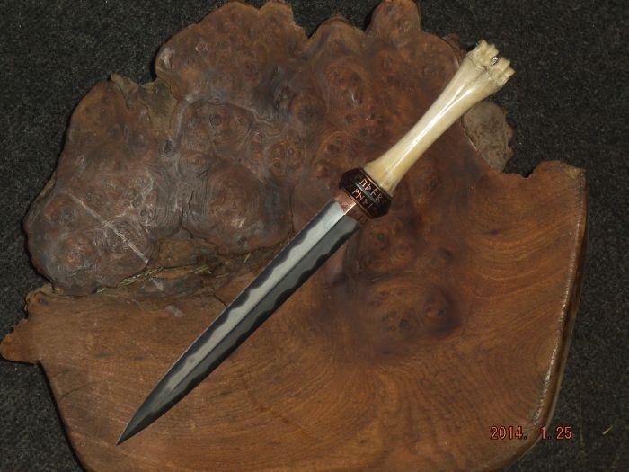 viking dagger 2.jpg