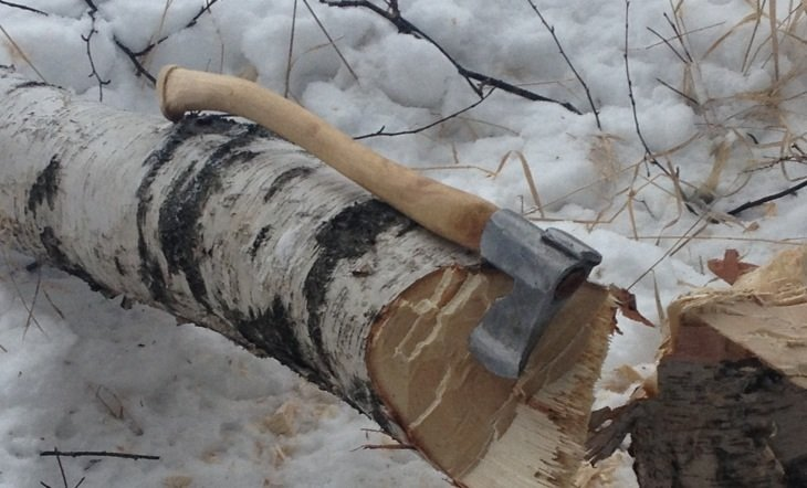 carving a handle for a Finnish Axe - History - Bladesmith's Forum Board