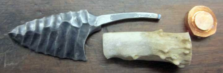 Knapped_Steel_Neck_Knife_22.jpg