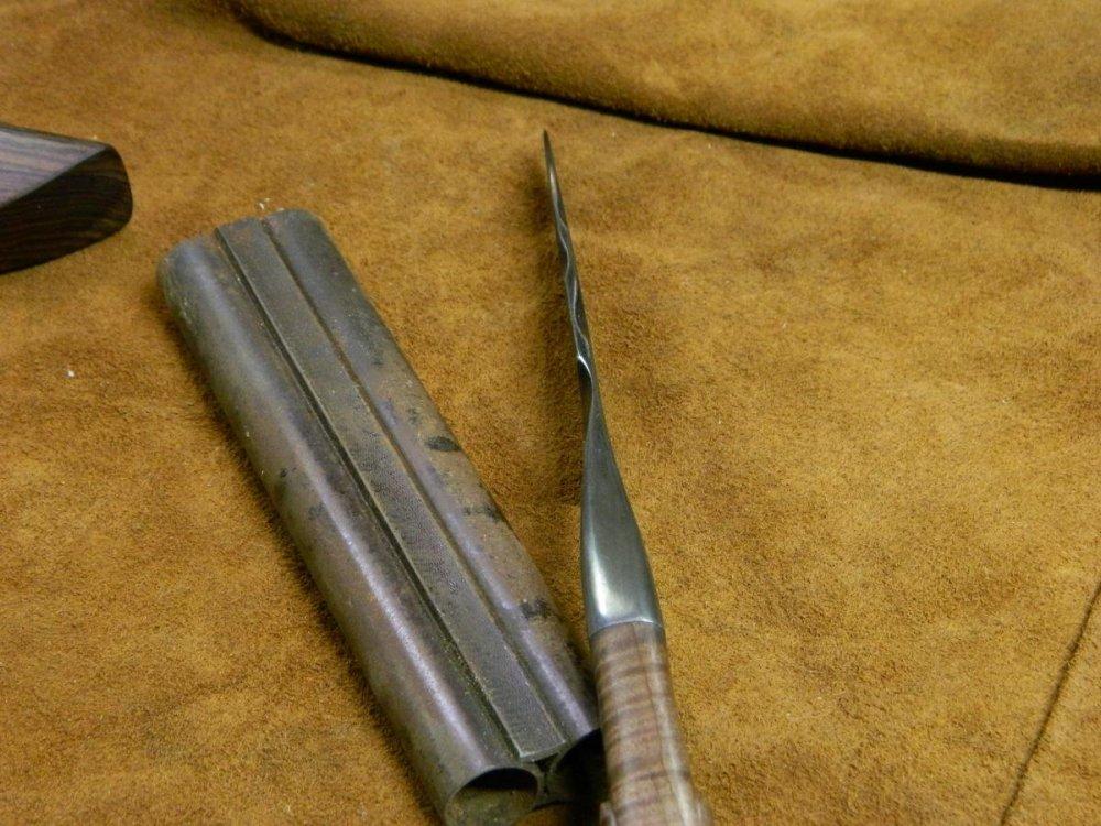 Curly birch fighter 003.JPG