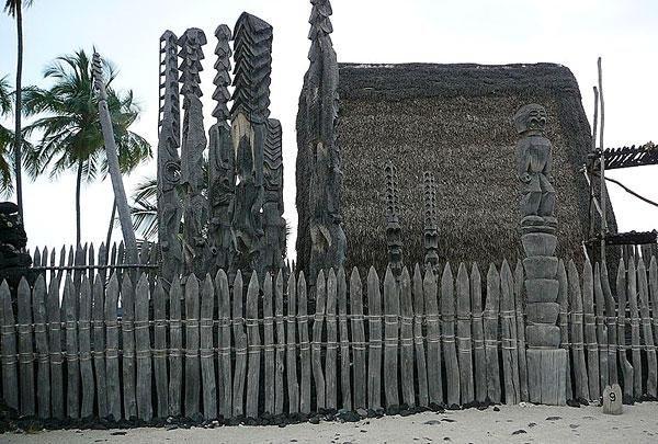 Hale-o-Keawe-heiau-Puuhonua-Big-Island.jpg