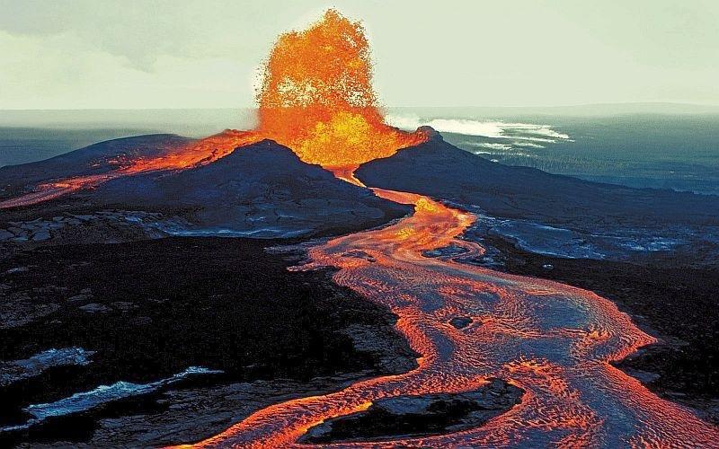 Pahoehoe-toe-lava.jpg