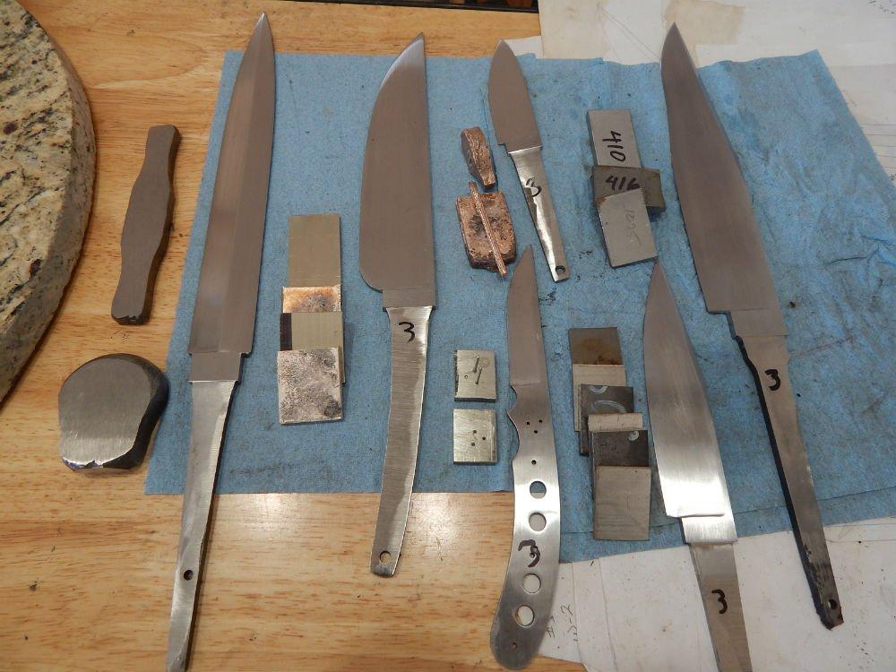 6 knives (2) V2.jpg