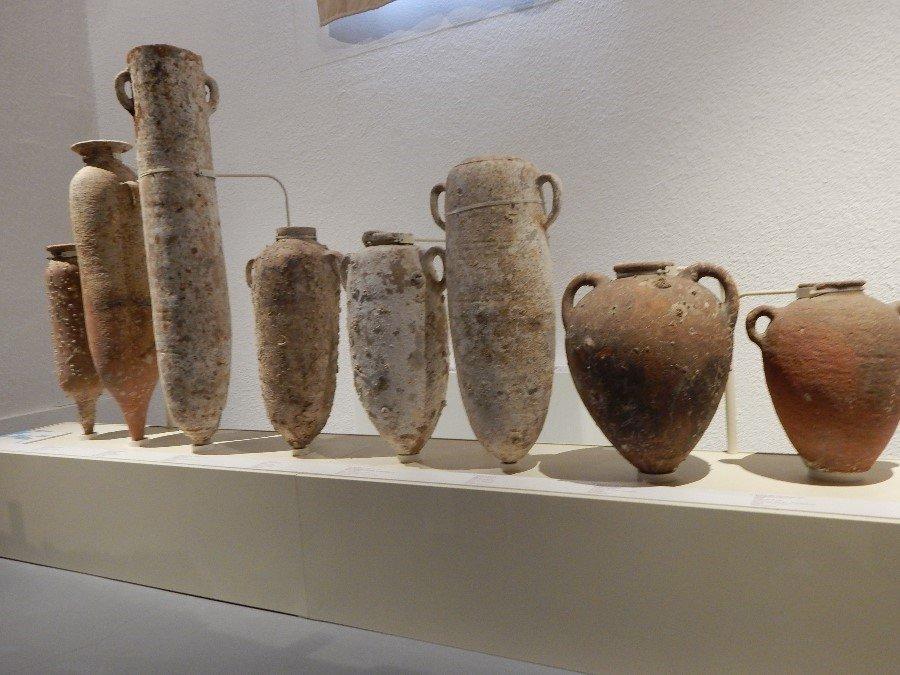Punic urns.jpg