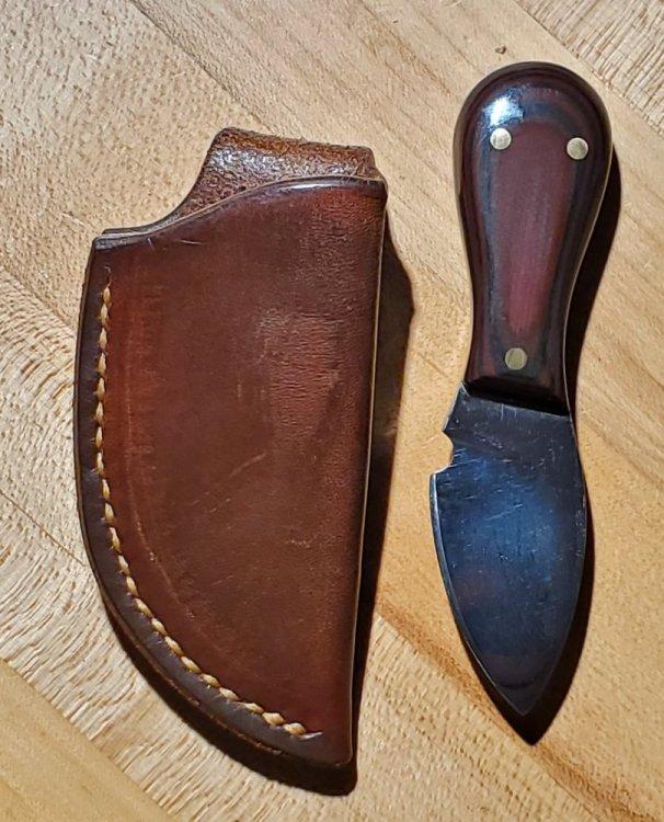 3 finger knife w sheath.jpg