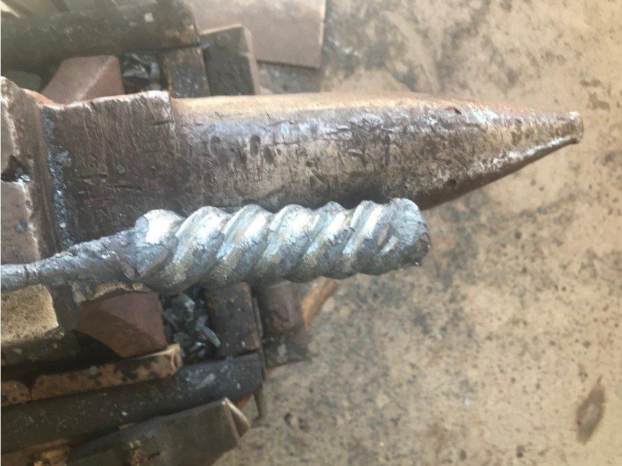 1 inch twisted V2.jpg