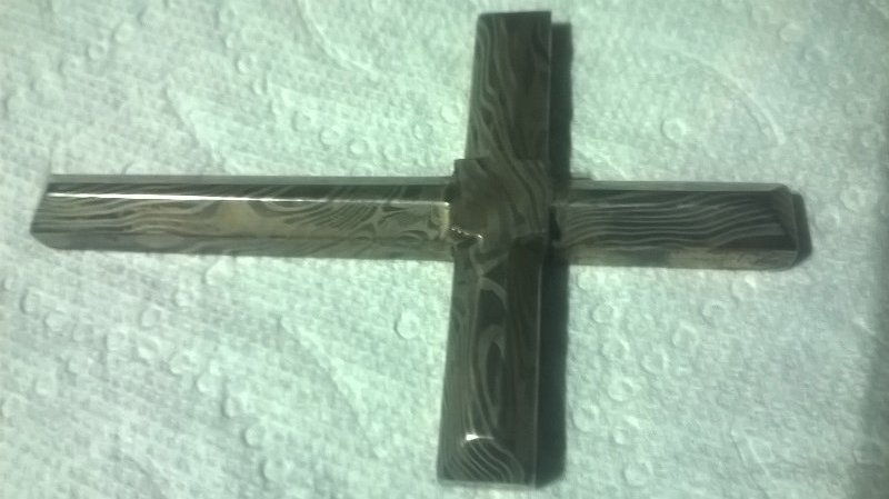Cross015.jpg